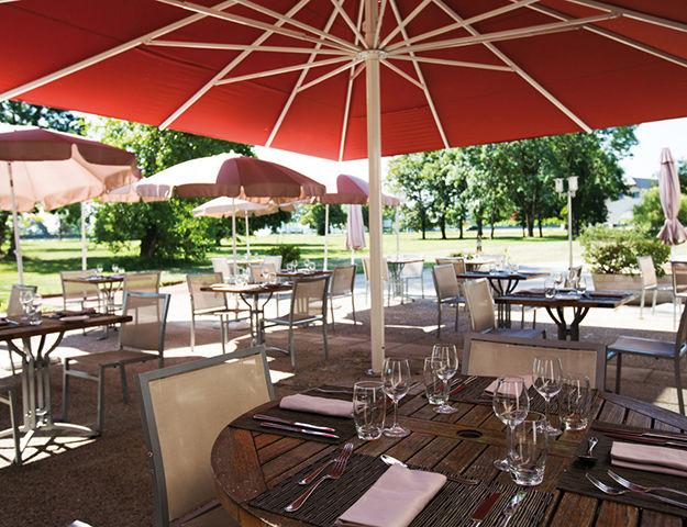 Hôtel et Résidence La Villa du Lac - Terrase du restaurant