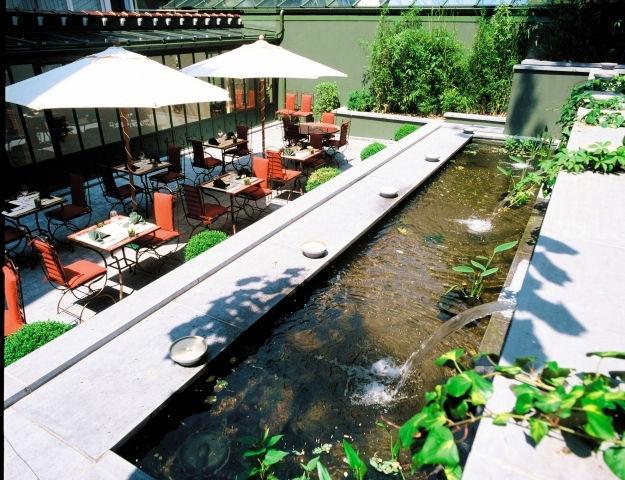Manos Premier - Terrasse du restaurant