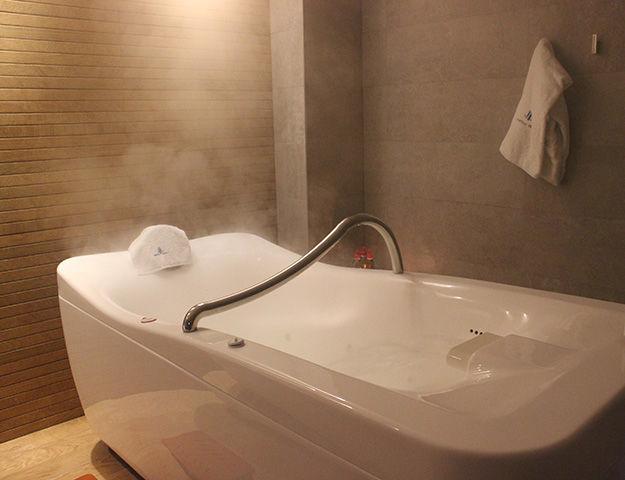 Castilla Termal Monasterio de Valbuena - Salle de soins bain hydromassant