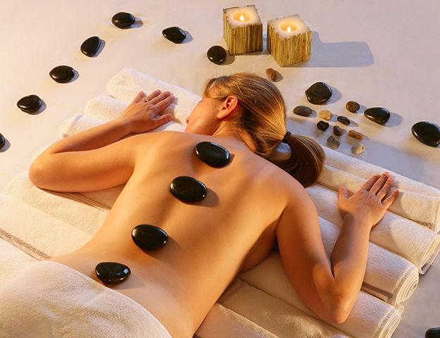 Wellness & Spa Institut GEM - Massage aux pierres chaudes