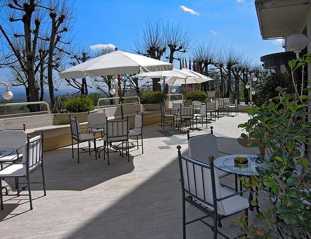 Hôtel Miralaghi - Terrasse du restaurant