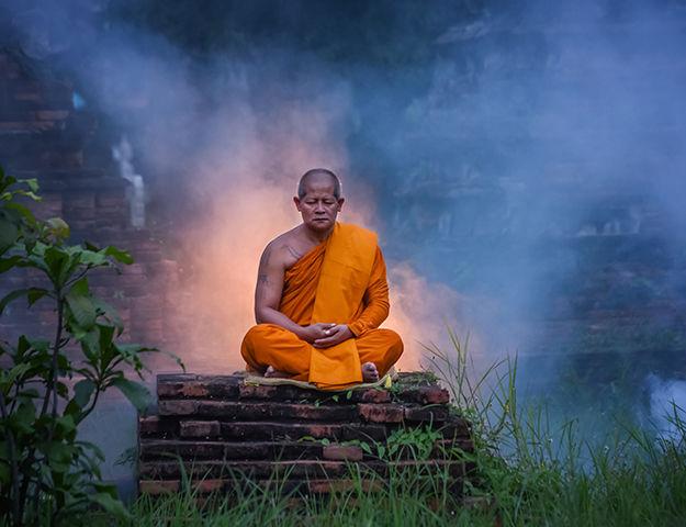 Séjour yoga et méditation, immersion au Népal - Moine bouddiste
