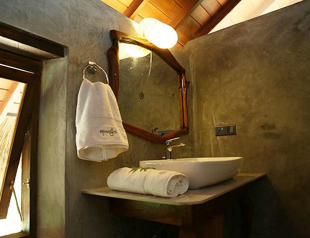 Athreya Ayurveda Ashram - Salle de bain
