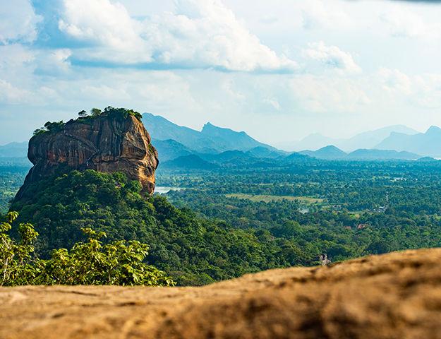 Circuit yoga et ayurvéda au Sri-Lanka - Pidurangala rock