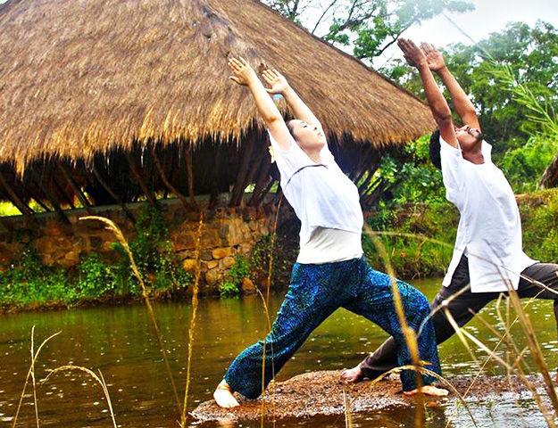 Circuit yoga et ayurvéda au Sri-Lanka - Seance yoga et meditation