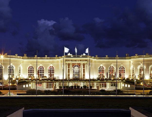 Royal Barrière Deauville - Hotel vue nuit