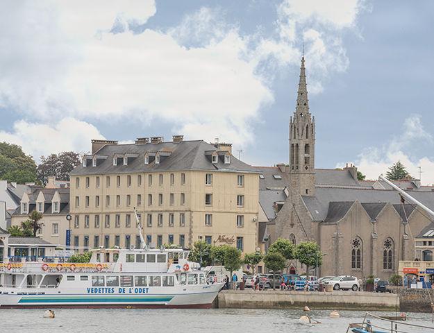 Le Grand Hôtel Abbatiale - Hotel sur le port