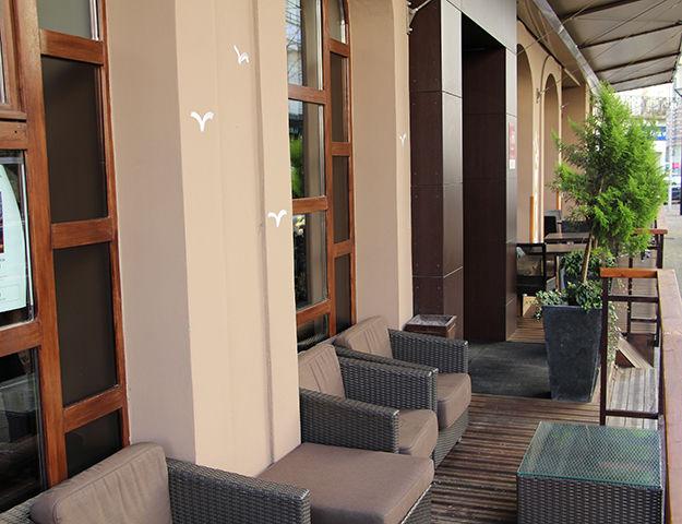 Central Hôtel Kyriad - Entree hotel