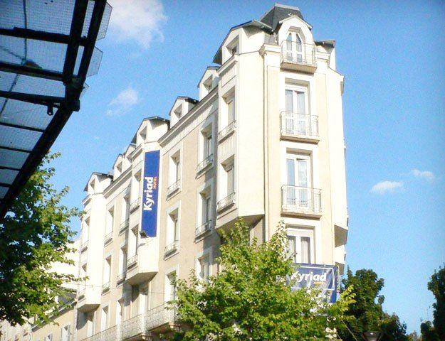 Central Hôtel Kyriad - Hotel