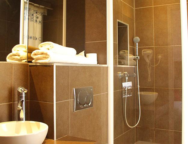 Central Hôtel Kyriad - Salle de bains