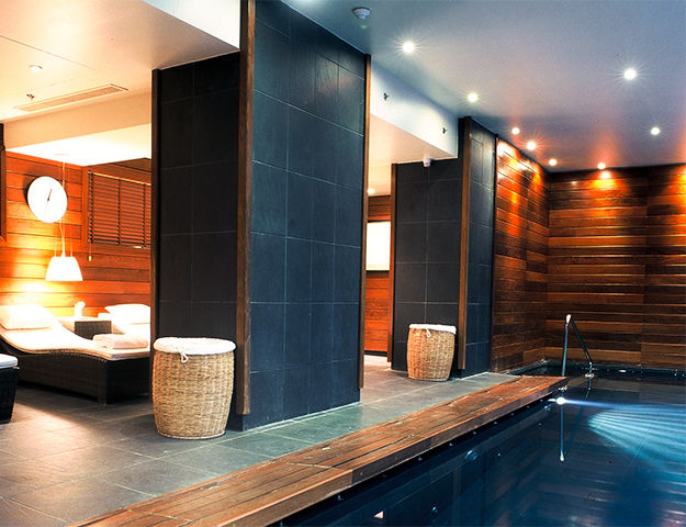 The vend me spa by asian lounge spa s jour thalasso for Spa piscine ile de france