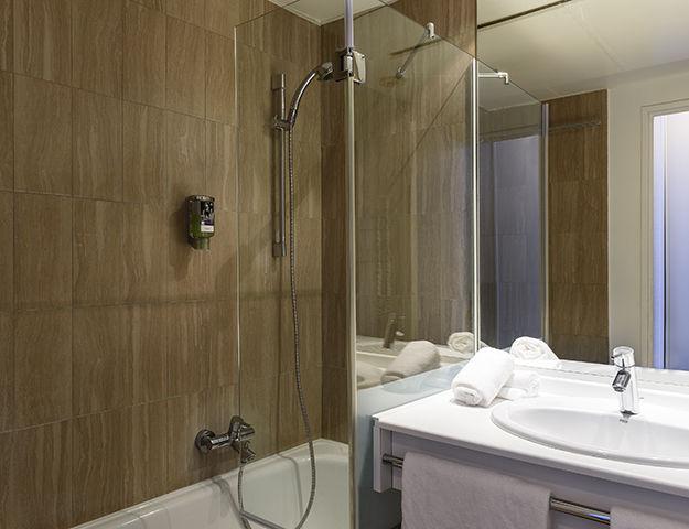 Mercure Fréjus - Salle de bains