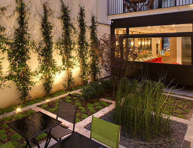 Les Jardins de Mademoiselle Hôtel & Spa - Jardin nuit
