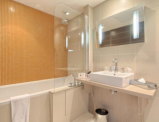 Le Relais de La Malmaison - Chambre superieure et deluxe salle de bains