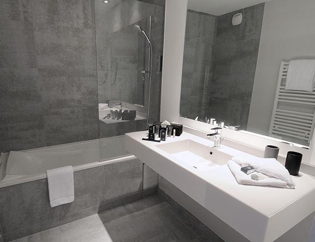 Hôtel & Spa Chassieu - Salle de bains