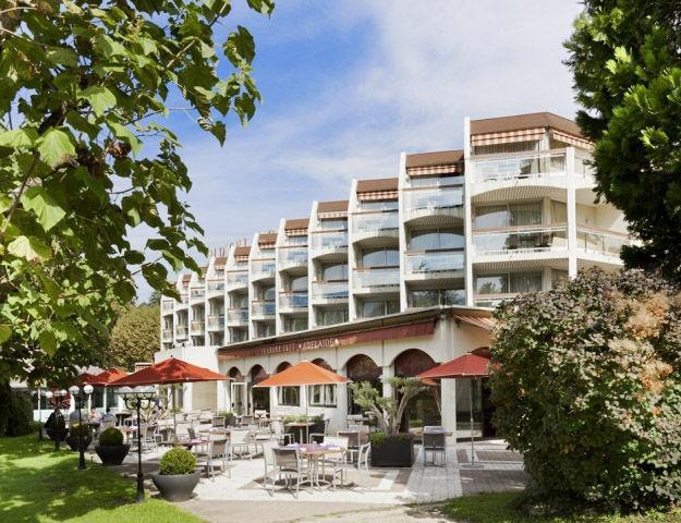 Mercure Hôtel & Spa Aix-les-Bains Domaine de Marlioz - Facade