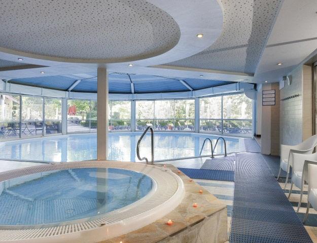 Mercure Hôtel & Spa Aix-les-Bains Domaine de Marlioz - Piscine interieure