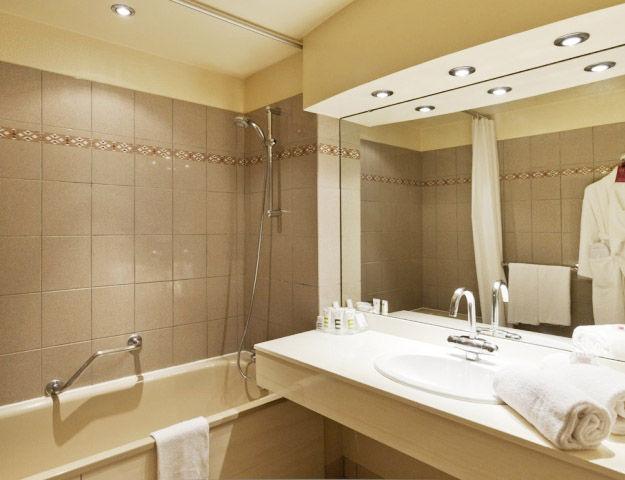 Mercure Hôtel & Spa Aix-les-Bains Domaine de Marlioz - Salle de bains