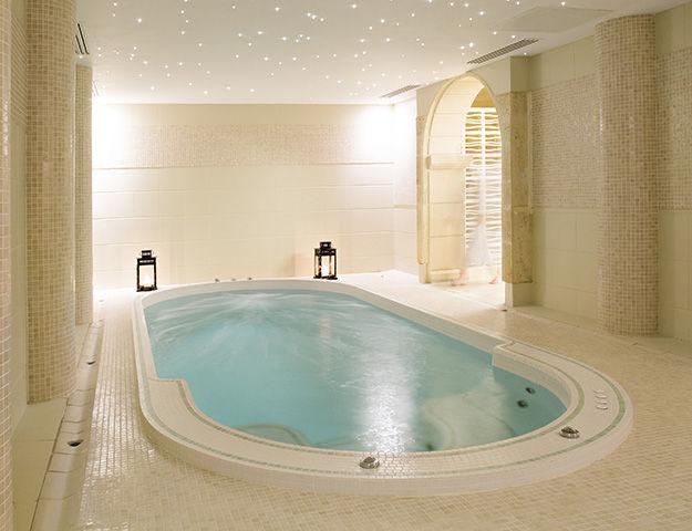 La Bastide - Piscine bain a remous