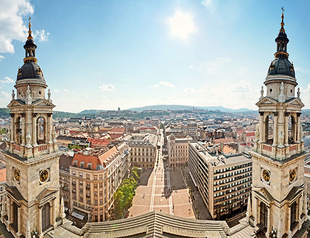 The Ritz-Carlton Budapest - Vue depuis la basilique de budapest